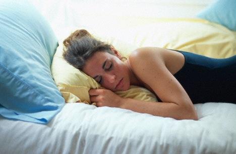 Diet dapat membuatmu mendapat tidur yang berkualitas dan segar di pagi hari