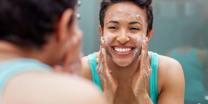 6 Kesalahan Fatal yang Harus Dihindari Saat Mencuci Wajah