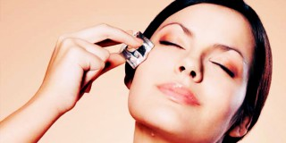 9 Manfaat Es Batu Bagi Kulit Wajah yang Wajib Kamu Ketahui