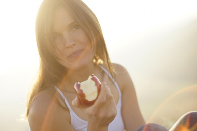 Lakukan intermittent fasting secara berkala via vavista.com