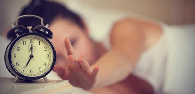 Miliki pola tidur yang tetap via theinternationalpassion.com/