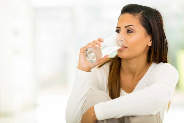air putih mencegah penuaan dini via golivinghealthy.net