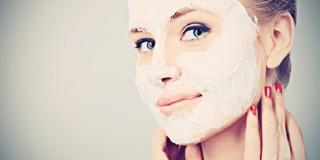 6 Masker Pemutih Wajah Alami yang Bisa Kamu Buat Sendiri di Rumah!