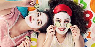 5 Mitos Perawatan Wajah yang Nggak Boleh Lagi Kamu Percaya