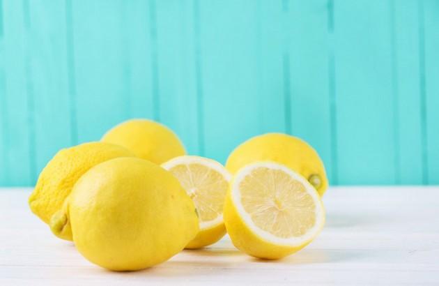 Vitamin C pada lemon dapat menghilangkan stretch mark