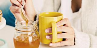 6 Cara Perawatan Menggunakan Madu Untuk Muka Berjerawat
