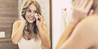 7 Cara Alternatif Untuk Membersihkan Makeup yang Membandel