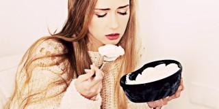 5 Faktor yang Menyebabkan Kamu Makan Berlebihan