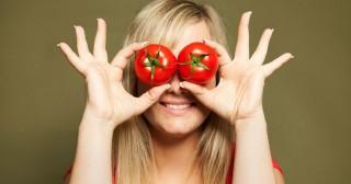 7 Rahasia Tomat Untuk Kulit yang Berjerawat